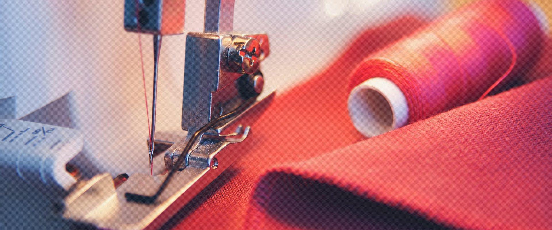 d54e5ccfb Но с каждым днем набирает популярность индивидуальный пошив женской одежды,  позволяющий любой представительнице прекрасного ...